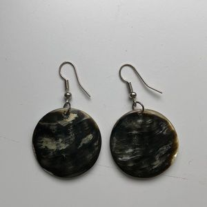 Circle earrings with flower print